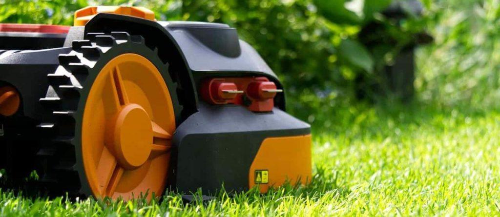 meilleur robot tondeuse pelouse gazon pas cher comparatif guide d'achat quel tondeuse robot choisir